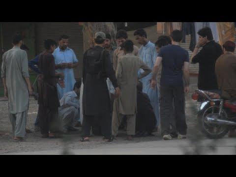 FAINTING IN PUBLIC SOCIAL EXPERIMENT/PRANK | PESHAWAR, PAKISTAN