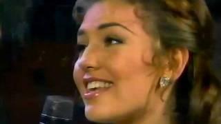Thalia y Julio Iglesias - Me Faltas Tu (Siempre en Domingo) HQ
