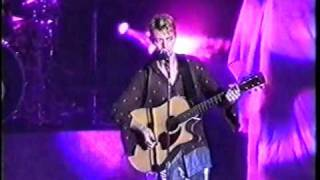 David Bowie - The Jean Genie (Live in Zaragoza, Spain 1997) 3/22