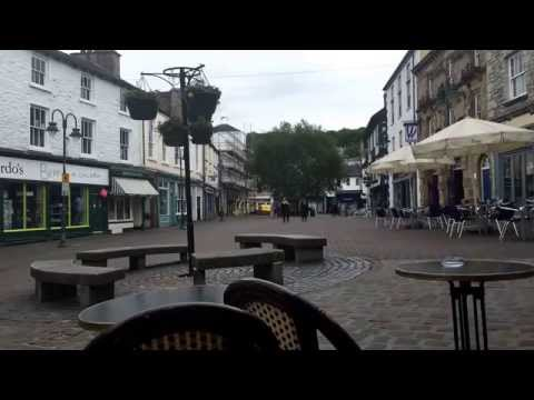 Kendal, Cumbria Sunday afternoon time lapse from outside Caffe Nero