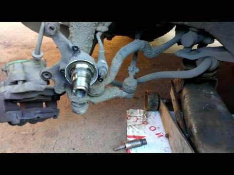 БМВ Е34 Замена кожуха переднего тормозного диска у Макса Фантомаса BMW E34