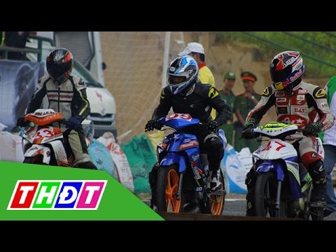 Mãn nhãn vòng 2 đua xe mô tô tại sân vận động Cao Lãnh | THDT