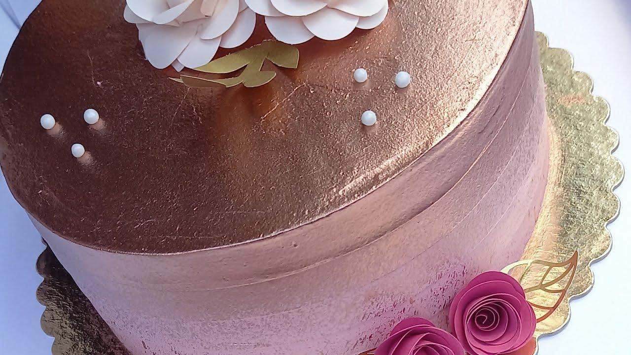 Bolos decorados com chantilly