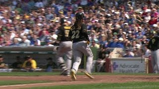 PIT@CHC: McCutchen steals home, Jones takes second