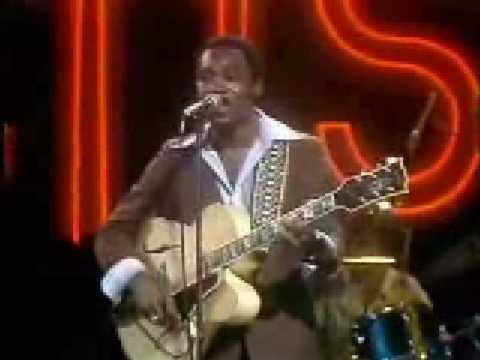 George Benson Masquerade (Live)