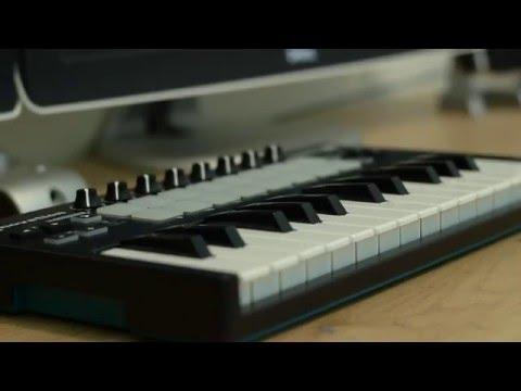 Best Budget Midi Controller? - Novation Launch Key MIni Review