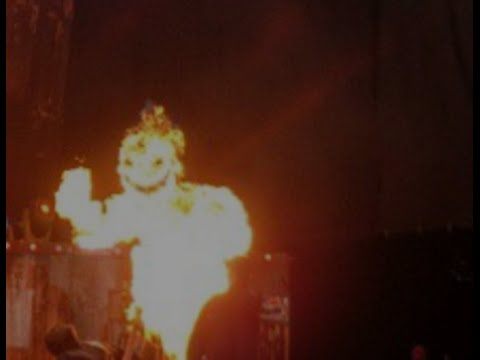 Slipknot plays as fire demon rises on stage! – new Tom Morello album - 2015 MH Golden Gods Awards
