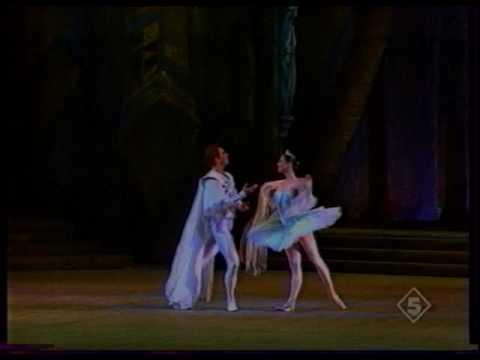 Yulia Makhalina in Raymonda act I (Fragment) 2 of 2