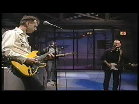 Warren Zevon - Splendid Isolation & A Funny Interview - David Letterman Show, 1989 (HD)