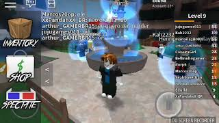 Playing murder Myste at Roblox