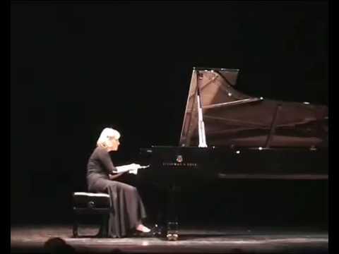Elena Filonova plays Grieg : March of the Trolls