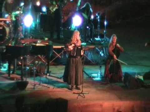Loreena Mckennitt - Concerto Taormina 24/06/09; The Mummers Dance