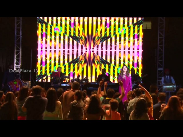 Some of golden hits performed by Kanika Kapoor live