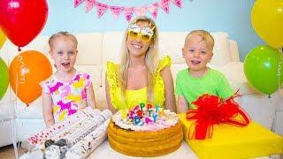 Alex y Gaby preparan sorpresa de cumpleaños para mamá