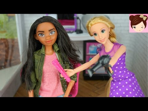 Thumbnail: Disney Moana gets a Makeover by Rapunzel - Haircut and Style at Barbie's Hair Salon - Titi Dolls