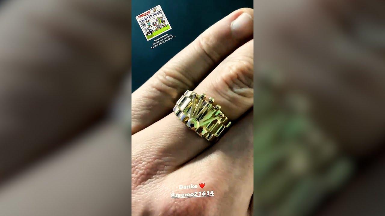 Rolex-Ring von Memo bekommen😍 MontanaBlack Instagram Story