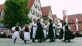 Kindertanzgruppe Wels: Sternpolka - Volkstanz vor der Schranne in Dinkelsbühl 2015