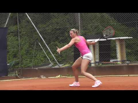 Yanina Wickmayer practicing @ Nürnberger Versicherungs Cup [21/5/17]