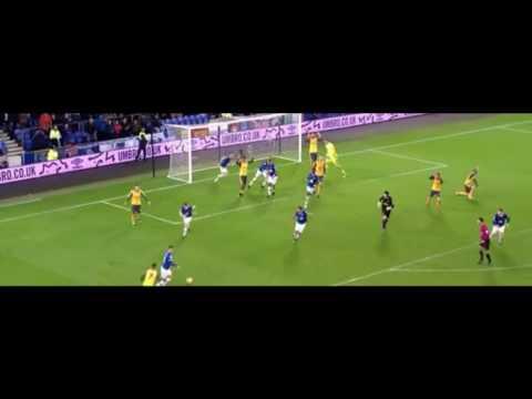 Petr Cech attacks Steklenburg's box vs Everton 13/12/2016