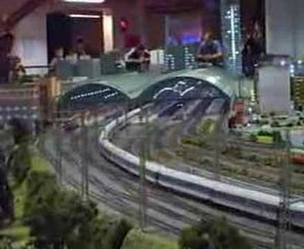 LOXX model railroad/railway show/exhibition layout RR Berlin scenery toy trains