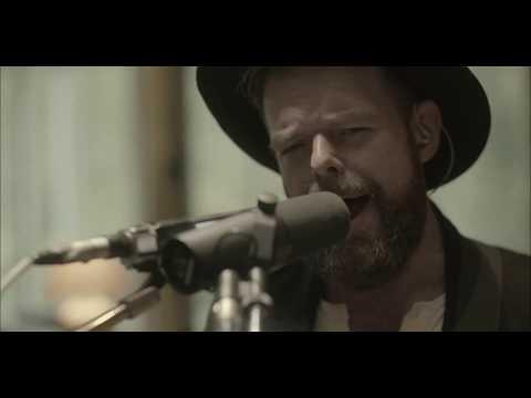 Smolik // Kev Fox - Queen of Hearts (Official Video)