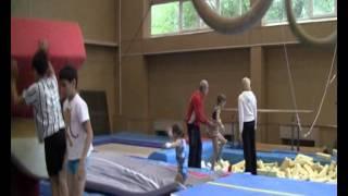 Юные таланты спортивной гимнастики .