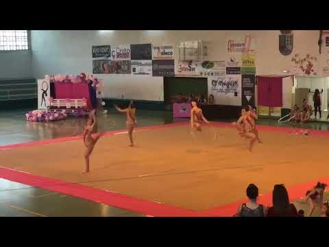 Cuarenta clubs participan en el IX Torneo vila de Sarria de gimnasia rítmica