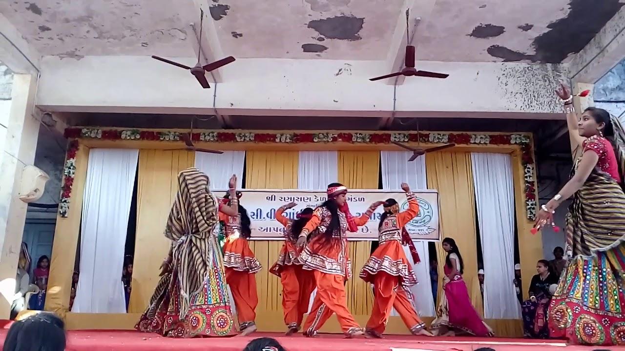 Cdhi High School Gori Radha Ne Dance 2018