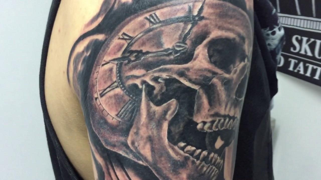 Azumi Art Tattoo Clock Skull