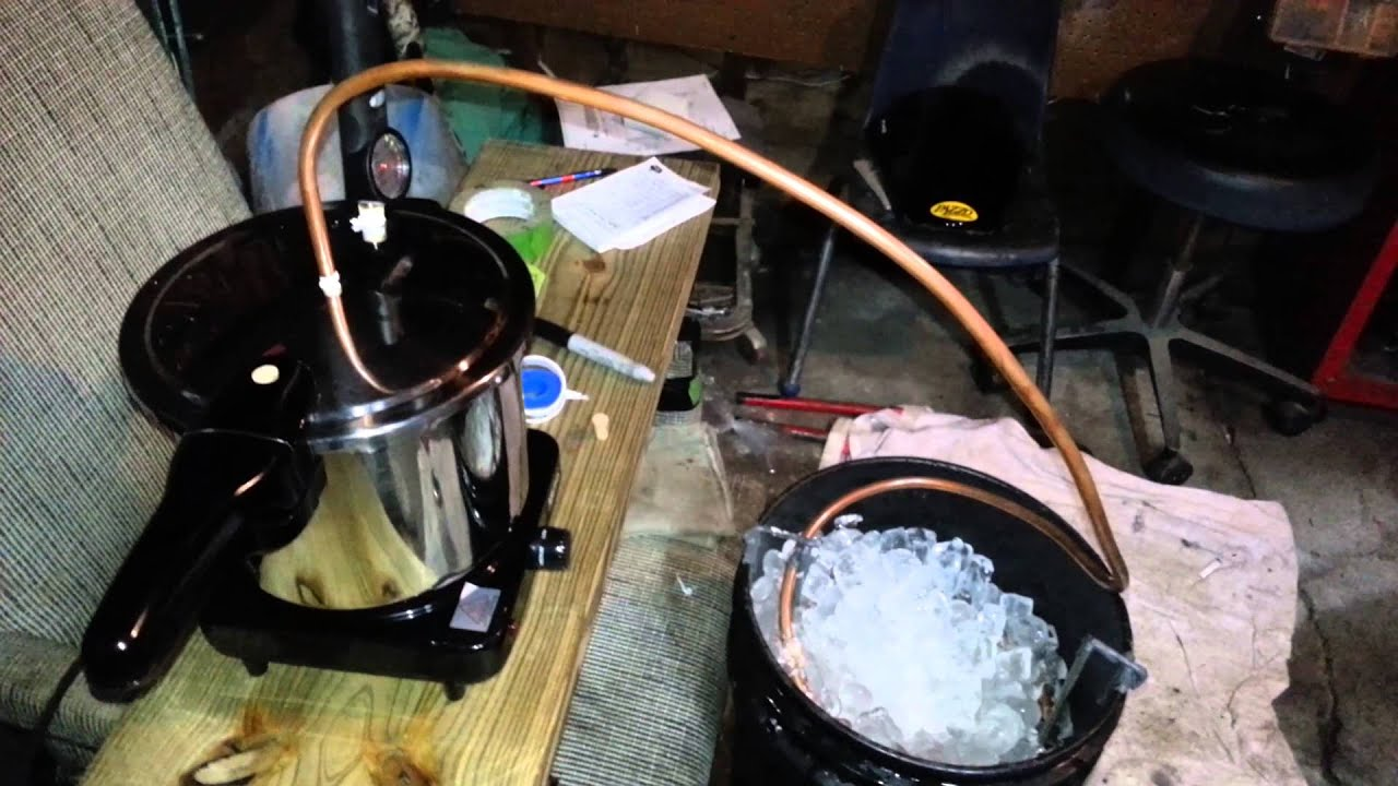 Pressure cooker moonshine still