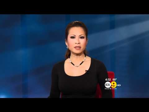 Leyna Nguyen 2012/01/19 KCAL9 HD; Skin-tight black top thumbnail