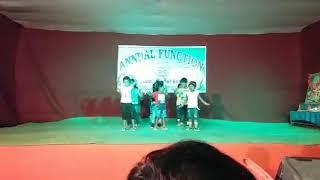 My small sister is dancing. Nach mere jaan hoge magan tu