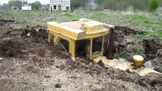 Big Trucks, Bulldozer, Excavator and Tractors in Troubles
