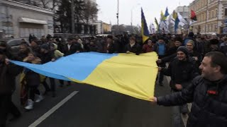 Thousands of Saakashvili supporters march in Kiev