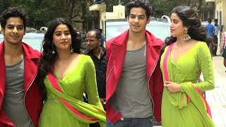 jhanvi kapoor and ishaan khattar cute moment at dhadak movie trailer launch