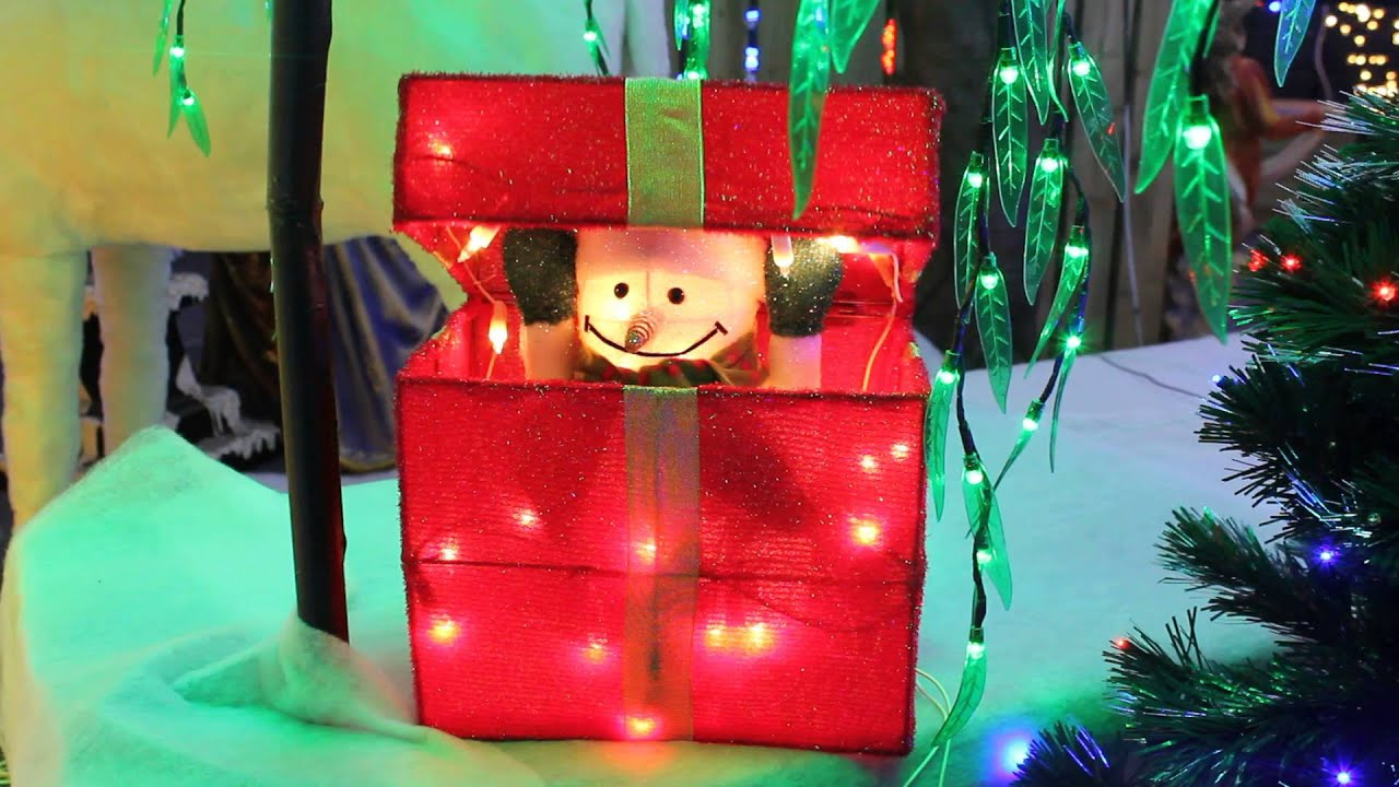 Christmas decorations animated indoor uk - Snowman Popping Out Of Gift Box Lit Animated Indoor Display Uk Christmas World
