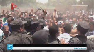 صور من الاشتباكات بين الشرطة المصرية وسكان في جزيرة على النيل
