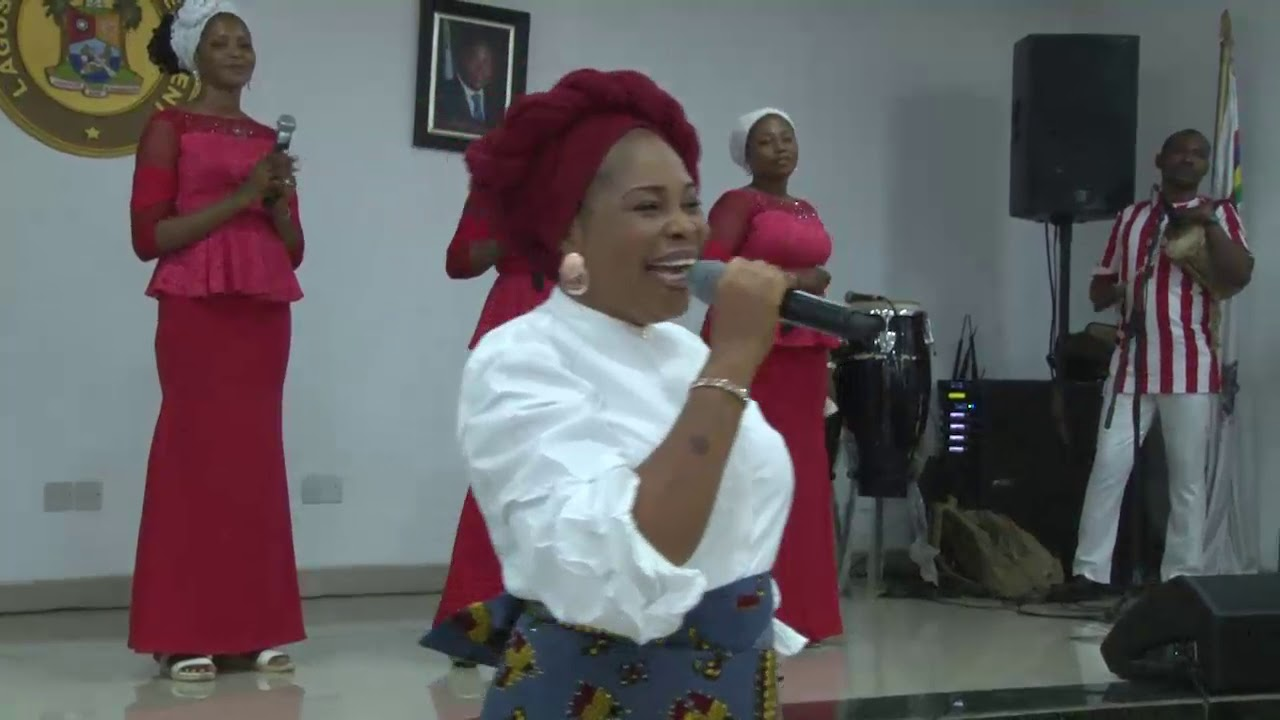 Tope Alabi Praise and Worship With Ambode's Wife in Government House.