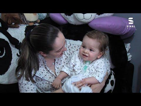 Mateus o bebé que «luta» pela vida com um sorriso