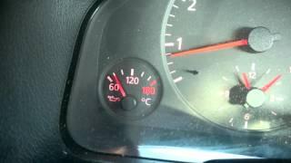 видео Проверка уровня моторного масла Ауди 100/А6 c4