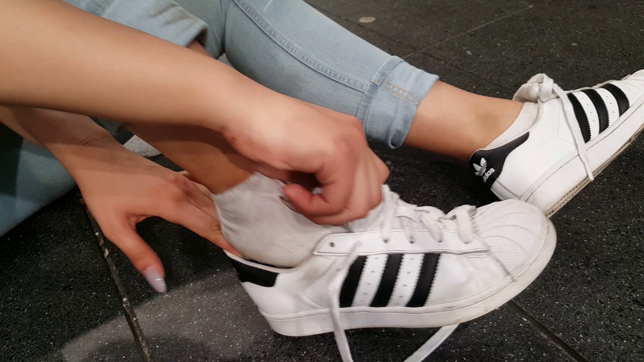 adidas superstar without socks