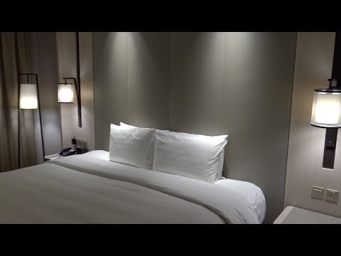 Parkroyal on Beach Road, Singapore: Premier Deluxe Room Tour and Features