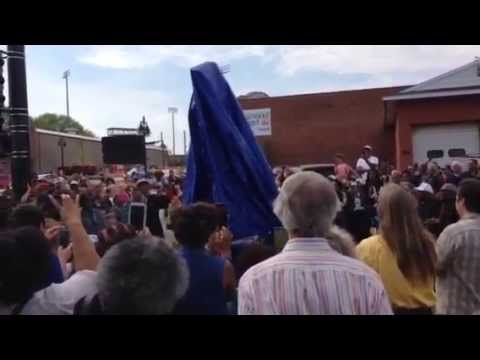 Richard Pryor Statue Unveiled