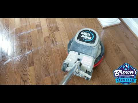 Carpet cleaning vlog Episode 73:  Hardwood floor cleaning Nightmare, at first! 🤔| Beautiful results