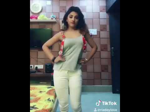 odia actress riya dance on dance bit
