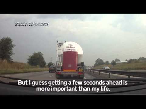 AY61 AZR - Truck Pulls Out - Closest Call Yet! - Tim Dighton Transport