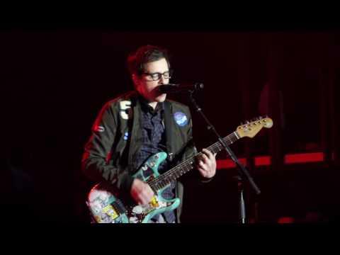 Weezer - Hey Ya (Outkast Cover) - 2017 Boston Calling