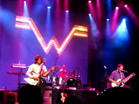 Weezer - The World Has Turned And Left Me Here (Live Atlantic City 27.5.11)