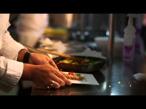 Qatar Airways Food Tasting Challenge