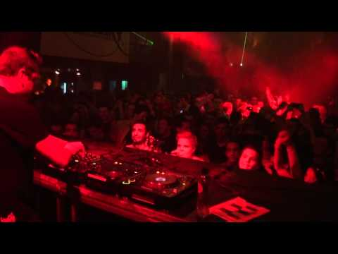 Leon Bolier plays I Close my Eyes @ Luminosity Before The Energy 18-02-2011